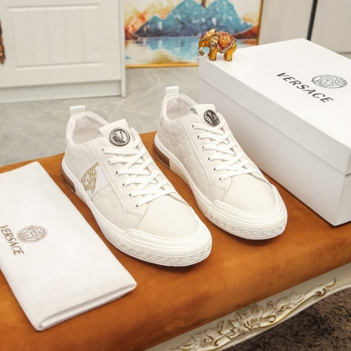 Versace Casual Shoes For Men #864766