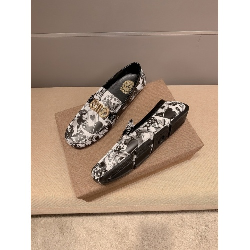 Versace Casual Shoes For Men #865480