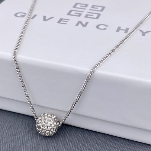 Givenchy Necklace #865560