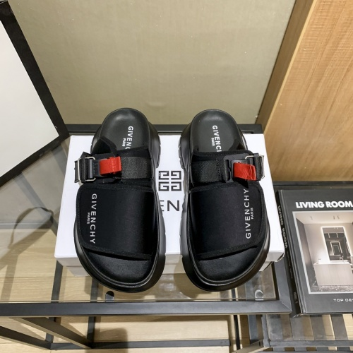 Givenchy Sandal For Women #865710