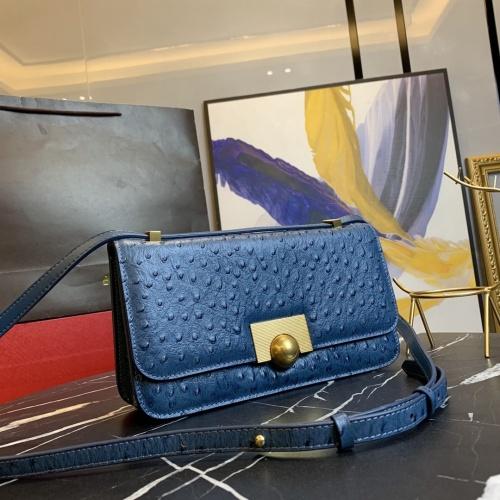 Bottega Veneta BV AAA Quality Messenger Bags For Women #866321