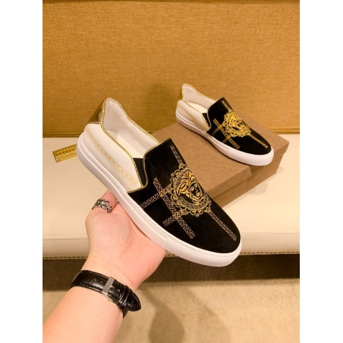 Versace Casual Shoes For Men #866756