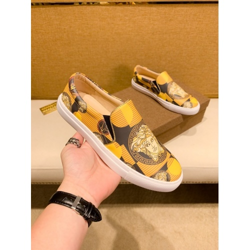 Versace Casual Shoes For Men #866757