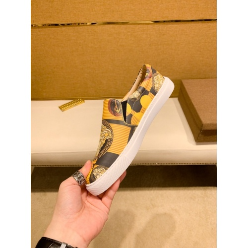 Replica Versace Casual Shoes For Men #866757 $76.00 USD for Wholesale