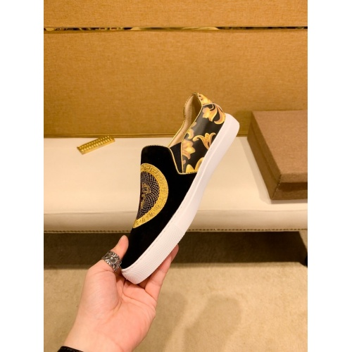 Replica Versace Casual Shoes For Men #866758 $76.00 USD for Wholesale