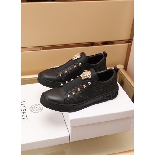 Replica Versace Casual Shoes For Men #866820 $17.00 USD for Wholesale