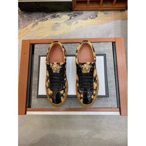 Replica Versace Casual Shoes For Men #867500 $76.00 USD for Wholesale