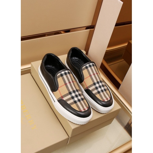 Burberry Casual Shoes For Men #867576