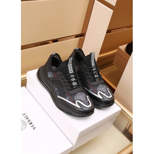 Versace Casual Shoes For Men #867657