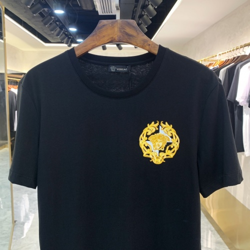 Replica Versace T-Shirts Short Sleeved For Men #867974 $41.00 USD for Wholesale