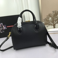 $102.00 USD Prada AAA Quality Messeger Bags For Women #860009