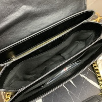 $100.00 USD Versace AAA Quality Messenger Bags For Women #866667