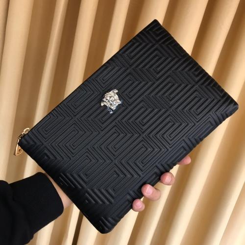 Versace AAA Man Wallets #868110