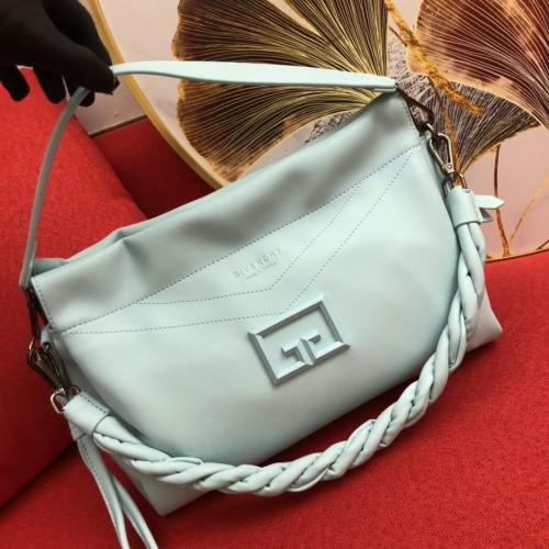 Givenchy AAA Quality Handbags For Women #868324