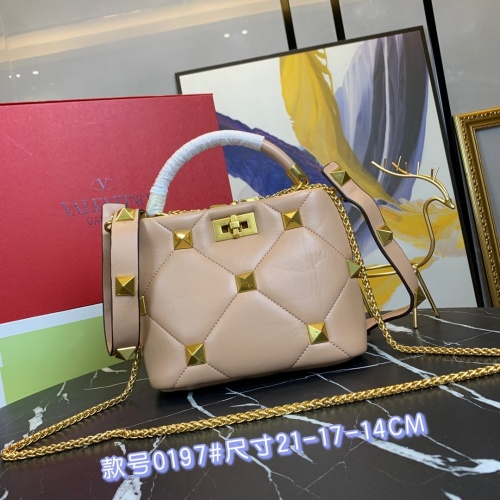 Valentino AAA Quality Messenger Bags For Women #868344