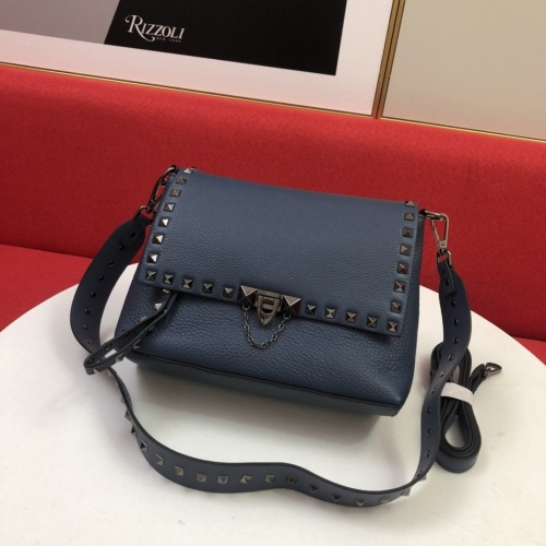 Valentino AAA Quality Messenger Bags For Women #868382