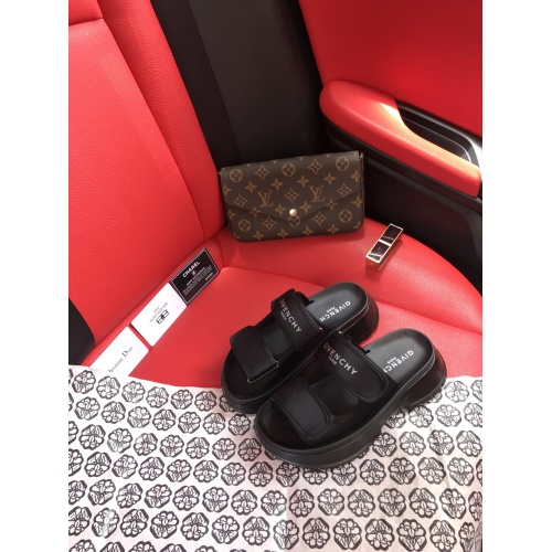 Givenchy Slippers For Women #868451