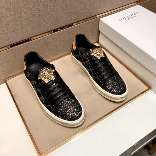 Versace Casual Shoes For Men #868737