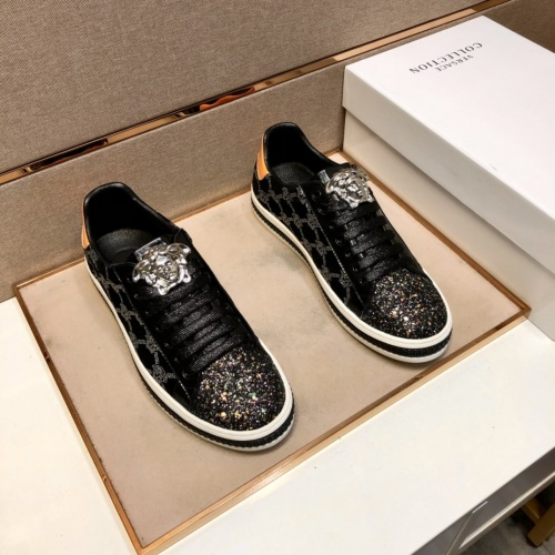 Versace Casual Shoes For Men #868738