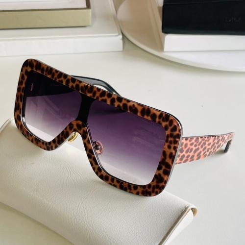 Christian Dior AAA Quality Sunglasses #869328