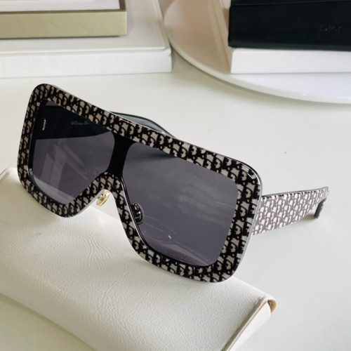 Christian Dior AAA Quality Sunglasses #869330