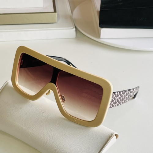 Christian Dior AAA Quality Sunglasses #869331