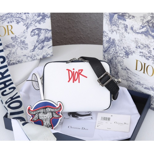 Christian Dior AAA Quality Messenger Bags #869373