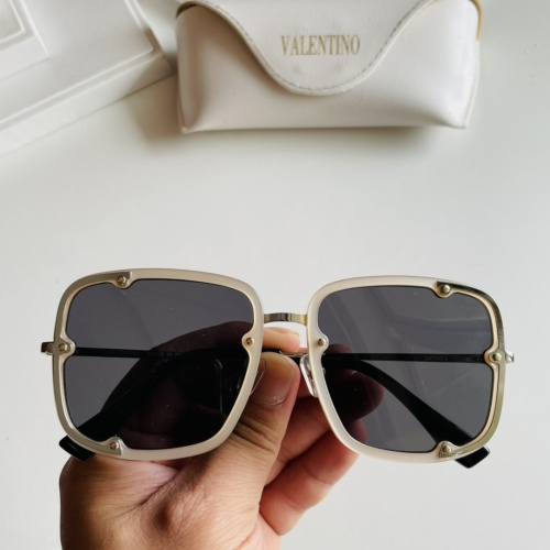 Valentino AAA Quality Sunglasses #869970