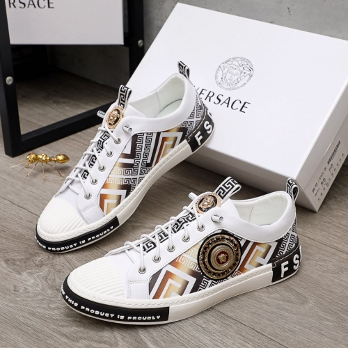 Versace Casual Shoes For Men #870051