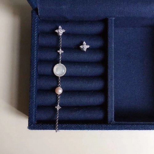 apm Monaco Earrings #870059