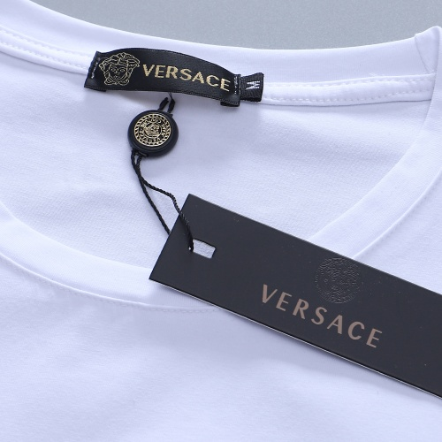 Replica Versace T-Shirts Short Sleeved For Men #870293 $27.00 USD for Wholesale