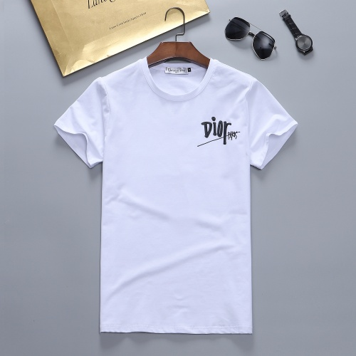 Christian Dior T-Shirts Short Sleeved For Men #870406