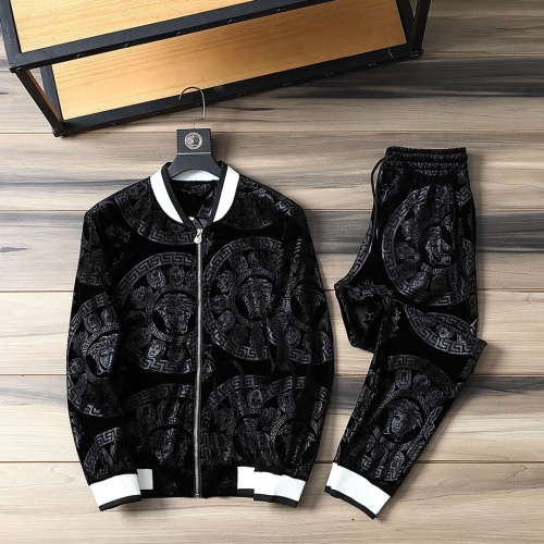 Versace Tracksuits Long Sleeved For Men #870834