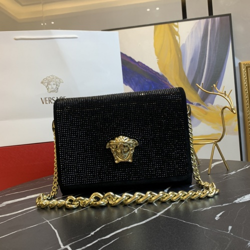 Versace AAA Quality Messenger Bags For Women #871356