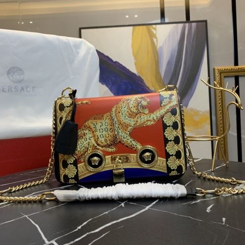 Versace AAA Quality Messenger Bags For Women #871364