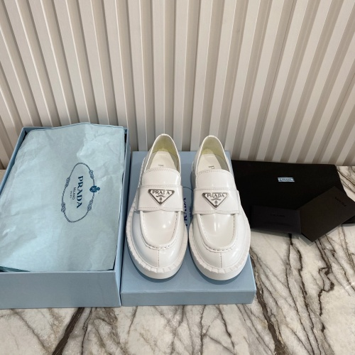 Prada Casual Shoes For Women #871402