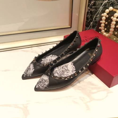 Valentino Flat Shoes For Women #871508