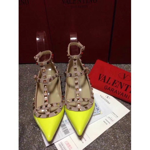 Valentino Flat Shoes For Women #871528