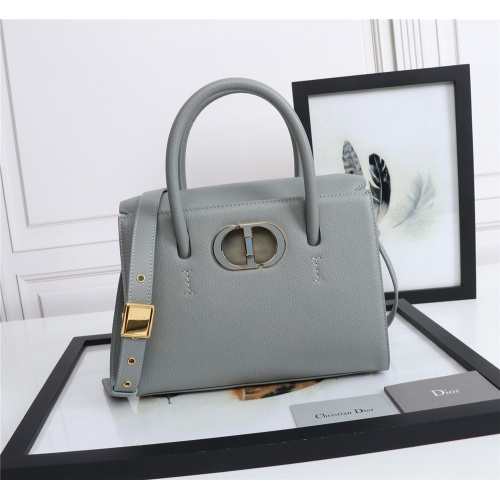 Christian Dior AAA Quality Messenger Bags For Women #872309