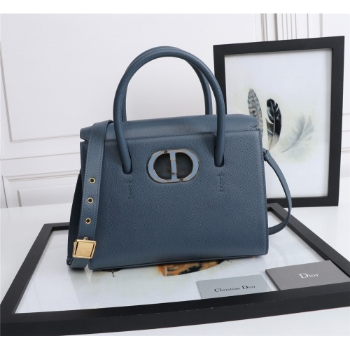 Christian Dior AAA Quality Messenger Bags For Women #872311
