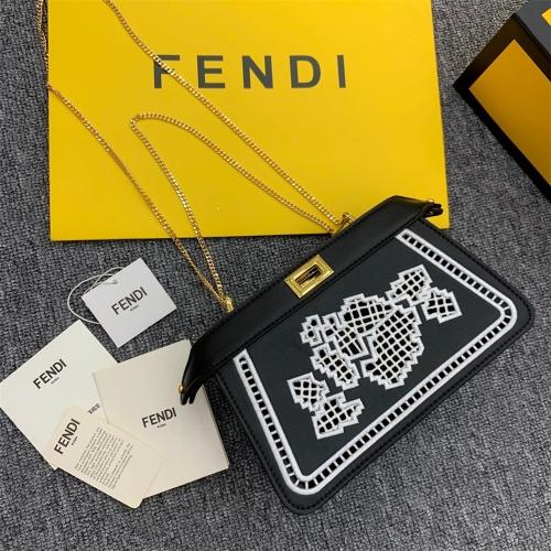 Fendi AAA Messenger Bags For Women #872316
