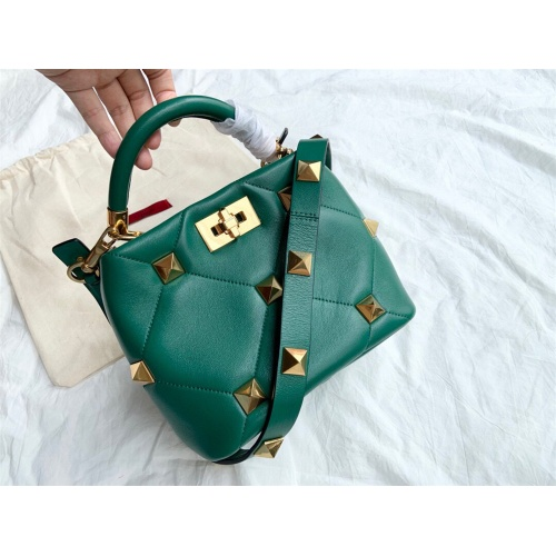 Valentino AAA Quality Messenger Bags For Women #872369