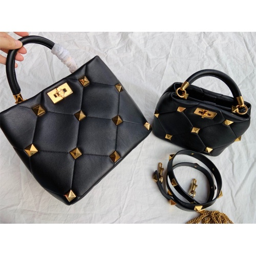 Valentino AAA Quality Messenger Bags For Women #872372