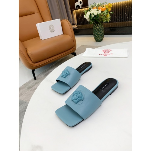 Versace Slippers For Women #872416