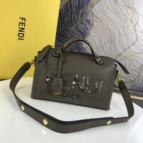 Fendi AAA Messenger Bags For Women #872439