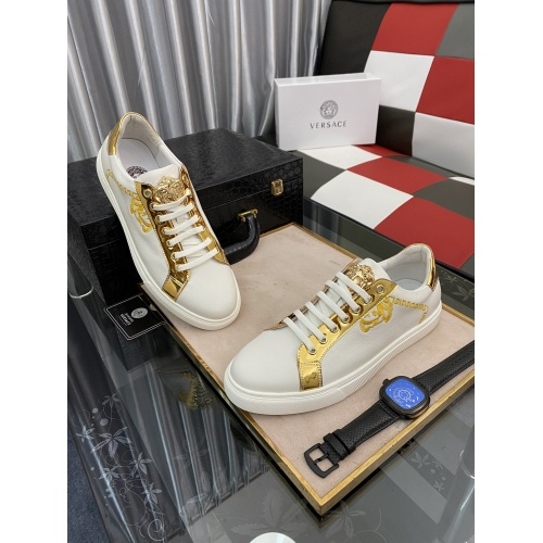 Versace Casual Shoes For Men #873267