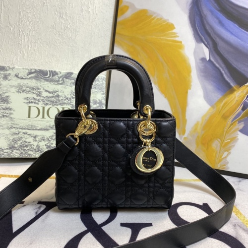 Christian Dior AAA Quality Messenger Bags For Women #873510