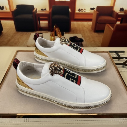 Versace Casual Shoes For Men #874191