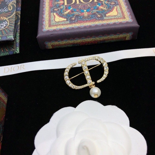 Christian Dior Brooches #874366