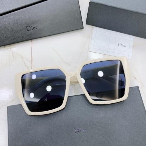 Christian Dior AAA Quality Sunglasses #875033